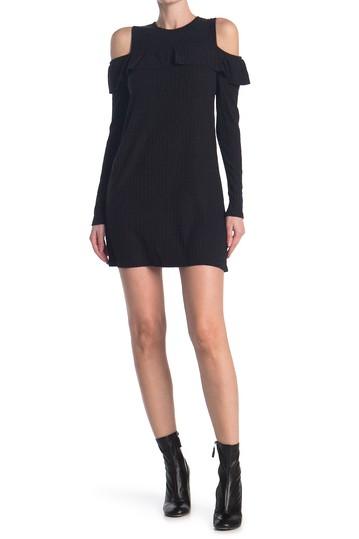 Трикотажное платье с открытыми плечами в рубчик Angie