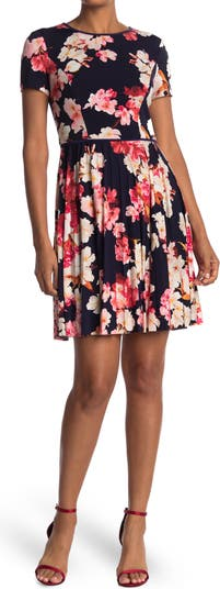 Floral Short Sleeve Pleated Dress Maggy London