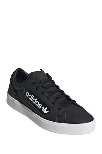 Кроссовки с элегантным логотипом Adidas