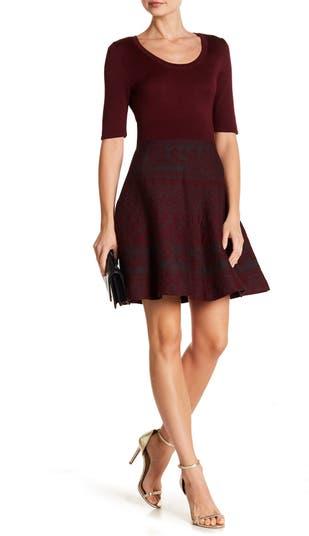 Трикотажное платье с овальным вырезом и пышной юбкой Nina Leonard