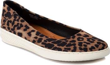 Nadra Slip On Sneaker Flat Baretraps