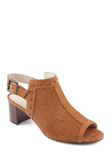 Перфорированные кожаные сандалии с заклепками Pompei - доступны разной ширины David Tate