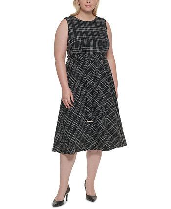 Платье трапециевидной формы с поясом и принтом больших размеров Calvin Klein