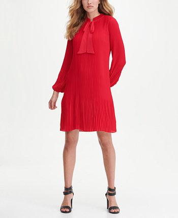 Плиссированное платье прямого кроя с длинным рукавом и завязками на воротнике DKNY