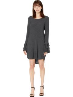 Уютное трикотажное многоярусное платье-рубашка с оборками на рукавах с высоким вырезом и вырезом Chaser