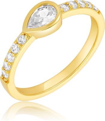 Кольцо с кристаллами Swarovski с огранкой груши сбоку и паве ADORNIA