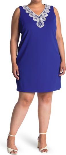 Кружевное текстурированное платье-футляр без рукавов с V-образным вырезом крючком Eliza J