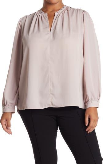 Блузка с разрезным вырезом и заклепками Carmen Marc Valvo