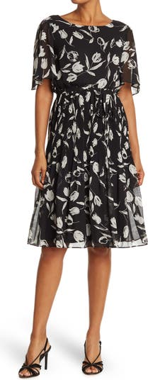 Платье со складками и цветочным принтом со складками и открытыми рукавами Sandra Darren