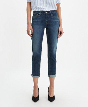 Женские джинсы-бойфренды с зауженными краями Levi's®