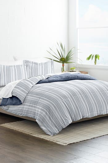 Home Collection Двустороннее одеяло Premium Down Alternative Farmhouse Dreams - Navy IENJOY HOME