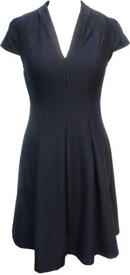 Однотонное платье с V-образным вырезом и короткими рукавами с пышной юбкой Sandra Darren