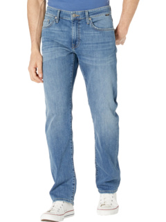 Zach Straight in Mid Brushed Williamsburg Mavi Jeans