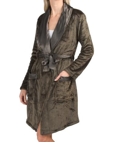 Плюшевый халат с атласной отделкой и поясом Thalia Sodi