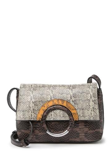 Кожаная сумка через плечо Keyln с тиснением под змею Vince Camuto
