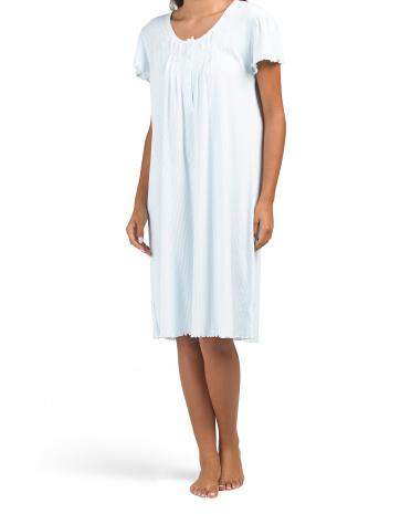 Шелковистая трикотажная ночная рубашка с короткими рукавами и цветочным рисунком Miss Elaine