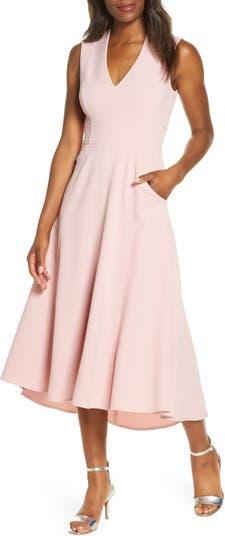 Платье с высокой / низкой посадкой и расклешенными рукавами Eliza J