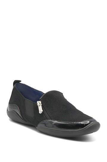 Повседневная обувь на плоской подошве Ganesa с квадратным носком Adrienne Vittadini