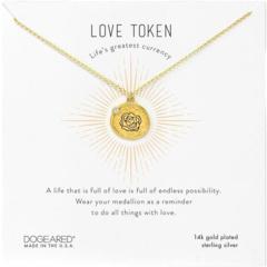 Подвеска-монета с гравировкой Love Token и ожерельем с кристаллами Dogeared
