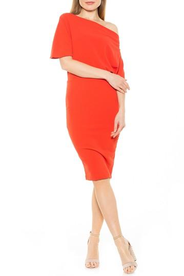Платье-футляр Olivia с открытыми плечами и драпировкой ALEXIA ADMOR