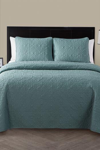 Комплект стеганого одеяла с тисненым цветочным рисунком Кэролайн - King VCNY HOME