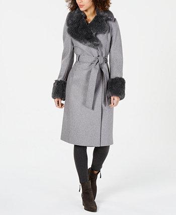 Пальто с запахом и поясом с искусственным мехом Via Spiga