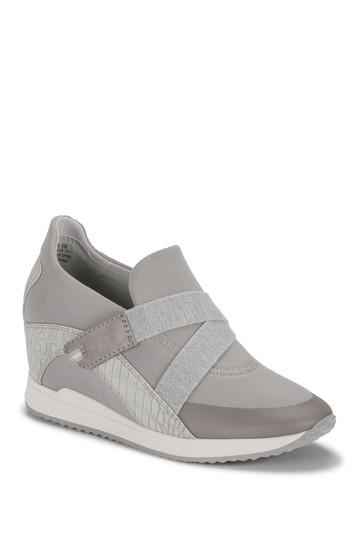 Johanna Casual Wedge Sneaker Baretraps