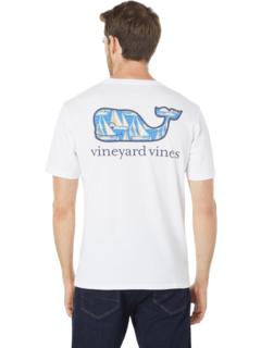 Футболка с короткими рукавами и карманом Sailboats Whale Fill Vineyard Vines
