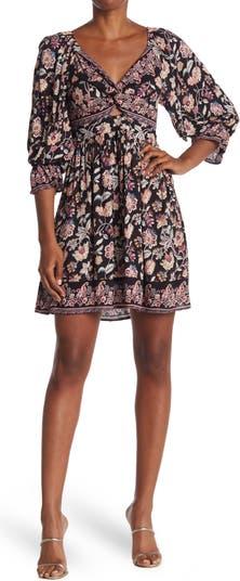 Мини-платье с цветочным принтом спереди Nostalgia Apparel