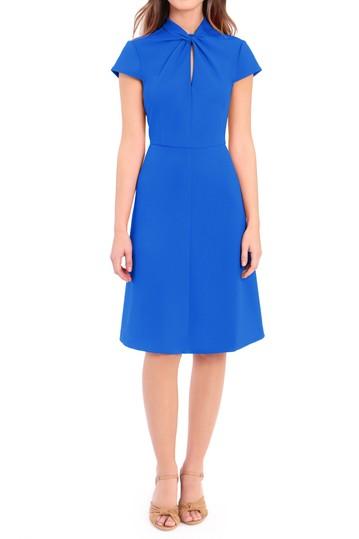 Платье с пышной юбкой и кружевным узлом Donna Morgan