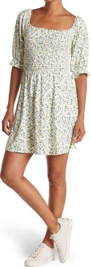 Мини-платье с цветочным принтом и сборкой на лифе WAYF