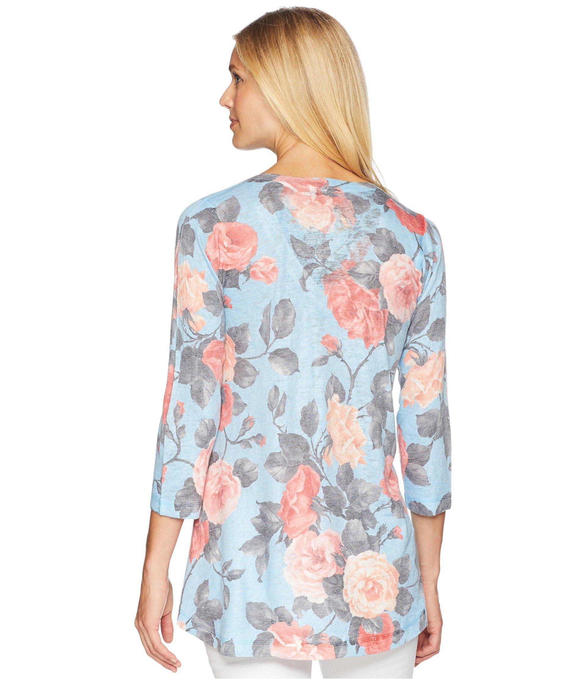Туника с v-образным вырезом с голубыми розовыми розами с рукавами 3/4 Nally & Millie