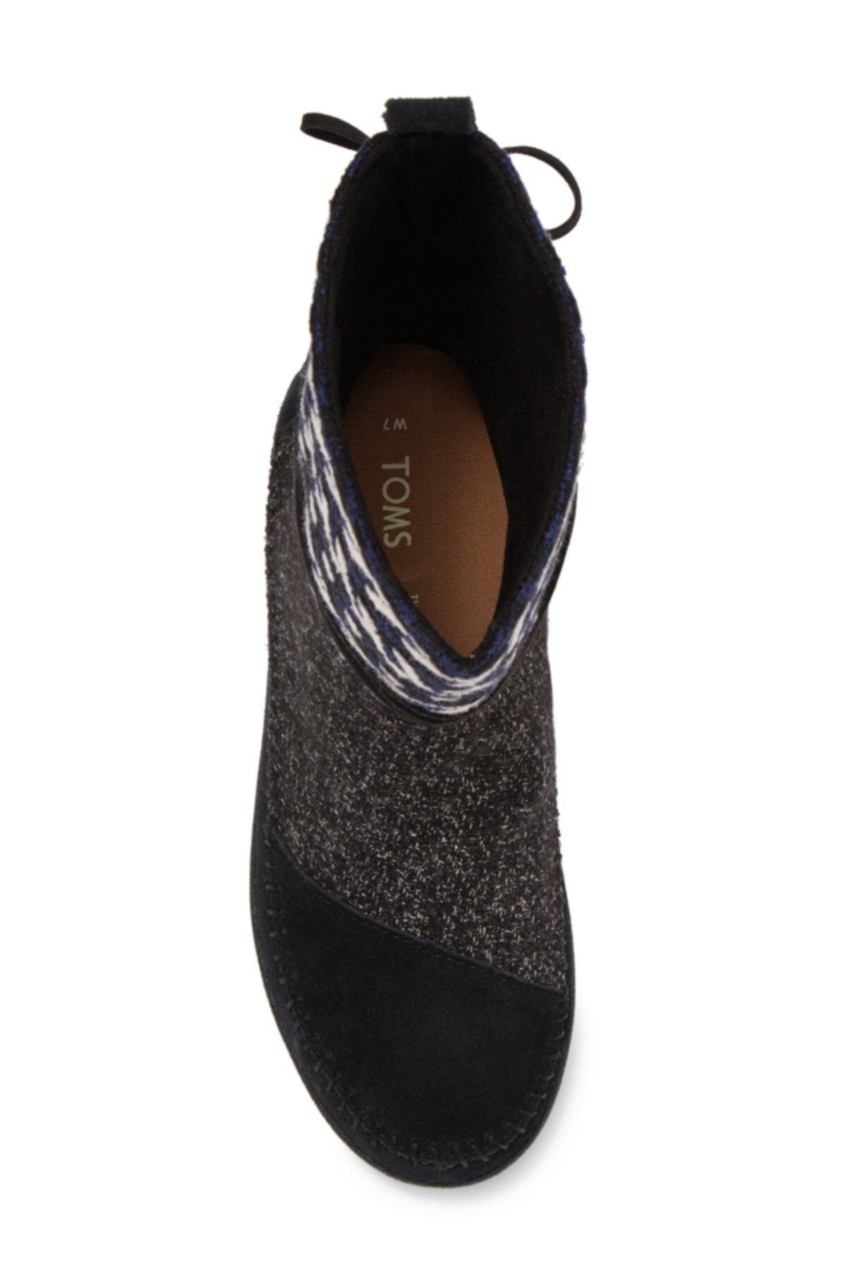 Ботинок из Непала TOMS